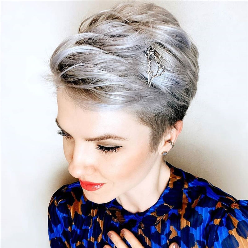 Pretty Short Grey Haircuts You Should Try Now 13