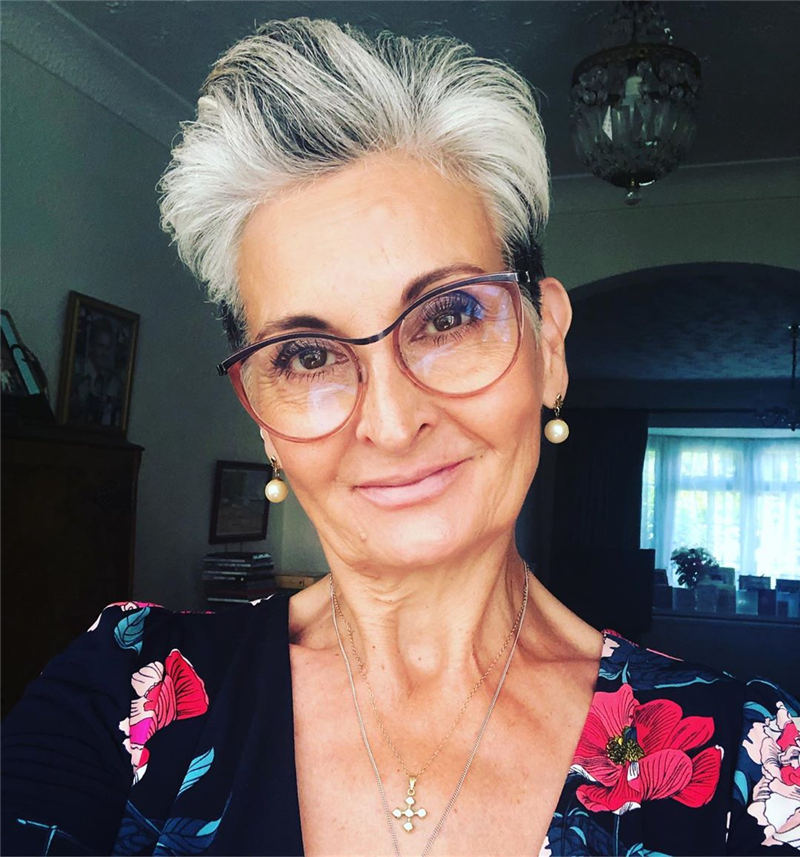 Pretty Short Grey Haircuts You Should Try Now 15
