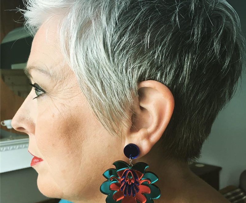 Pretty Short Grey Haircuts You Should Try Now 25