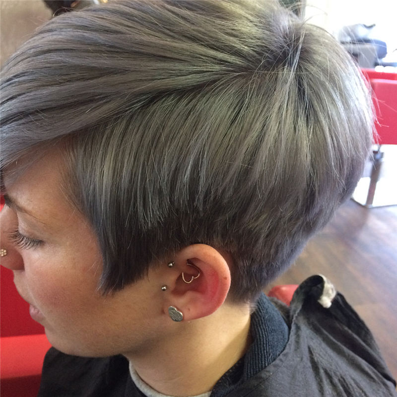 Pretty Short Grey Haircuts You Should Try Now 27