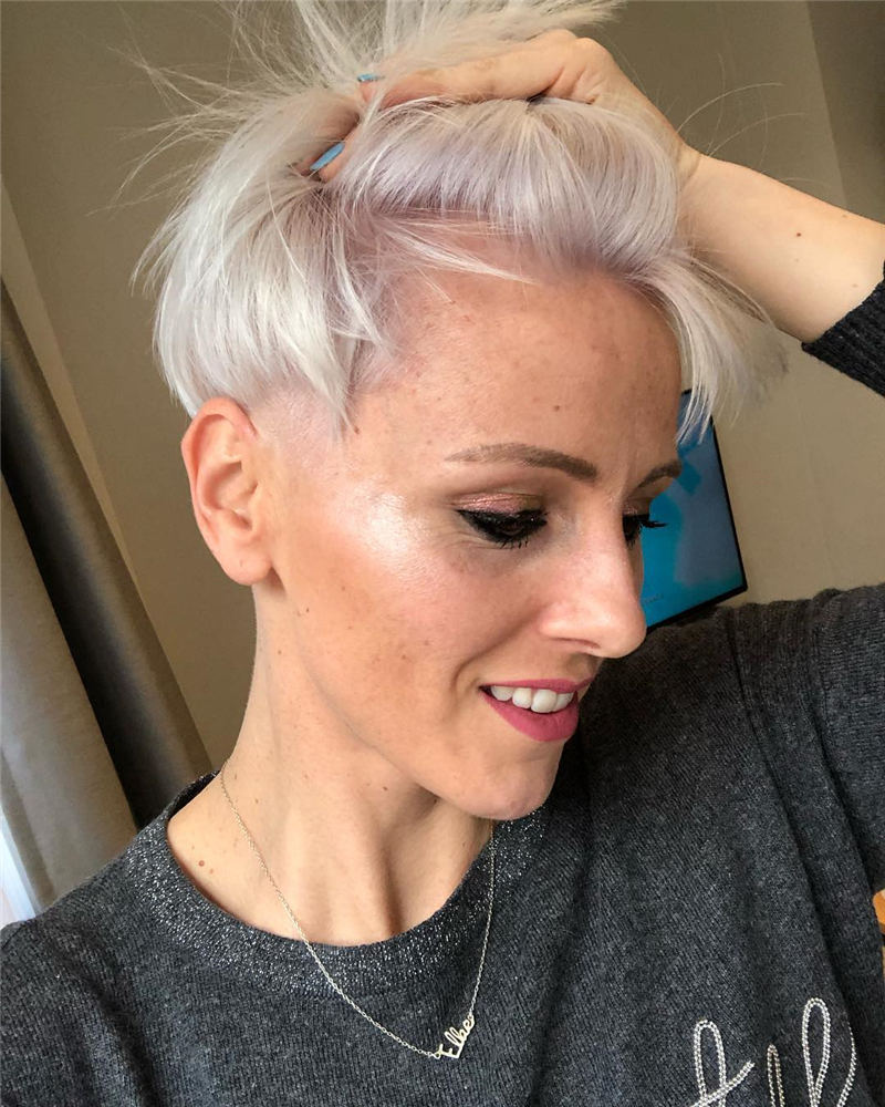 Pretty Short Grey Haircuts You Should Try Now 29