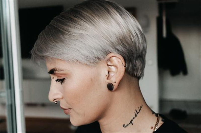 Stunning Pixie Haircuts That Make You Look Younger 11