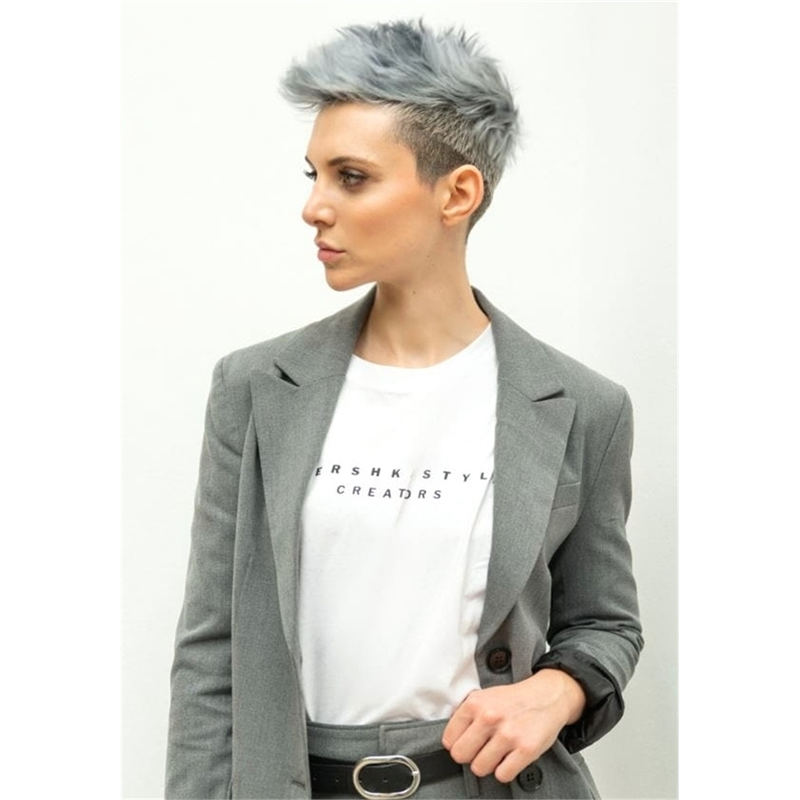 Stunning Pixie Haircuts That Make You Look Younger 18