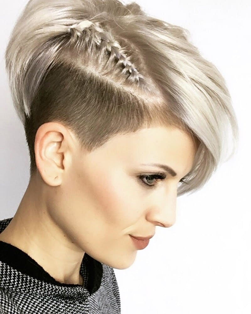 Stunning Pixie Haircuts That Make You Look Younger 33