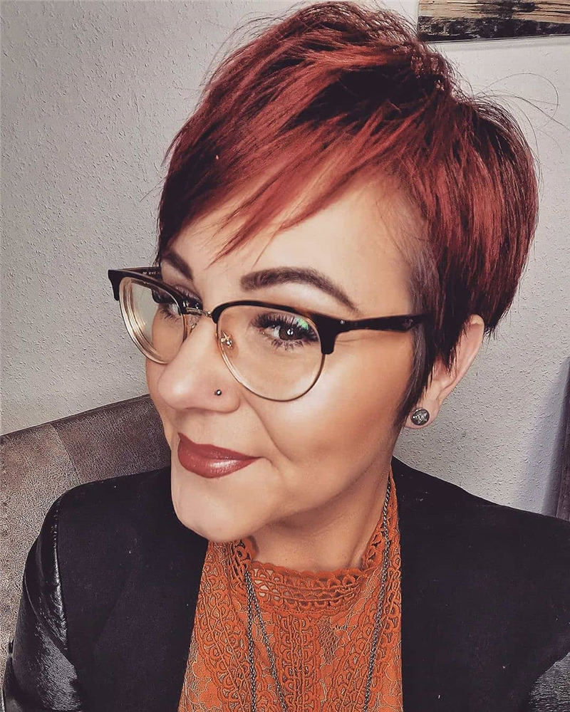 Stunning Pixie Haircuts That Make You Look Younger 34