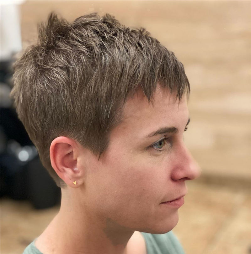 Stunning Pixie Haircuts That Make You Look Younger 48