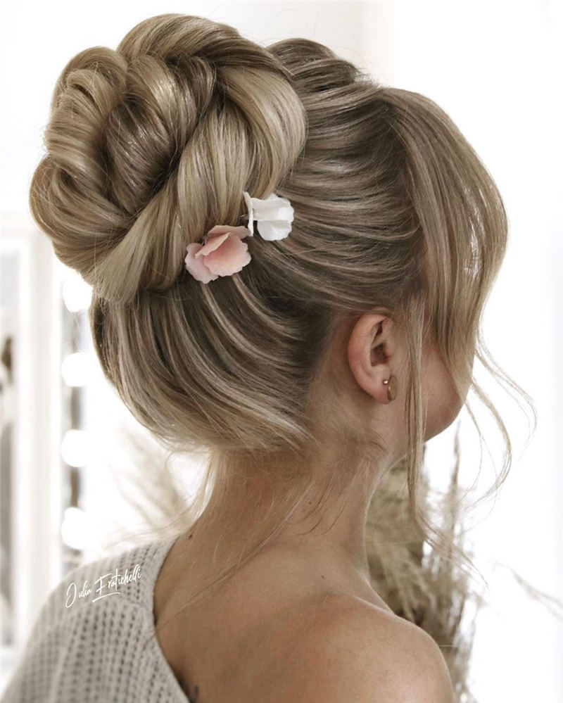 Winning Looks with These Amazing Updos 11