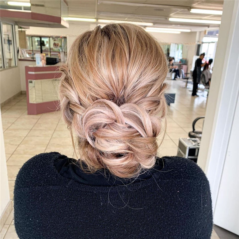 Winning Looks with These Amazing Updos 15