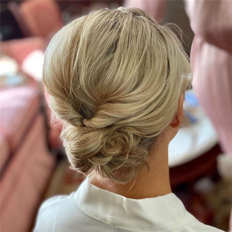 Winning Looks with These Amazing Updos 18