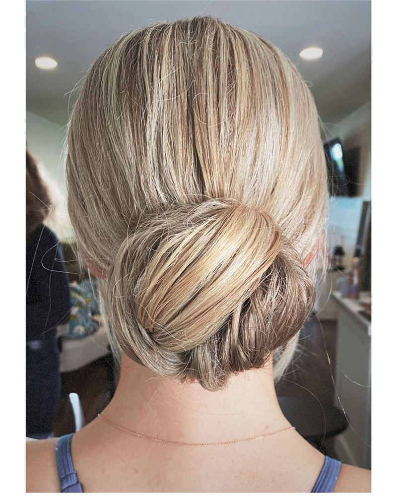 Winning Looks with These Amazing Updos 22
