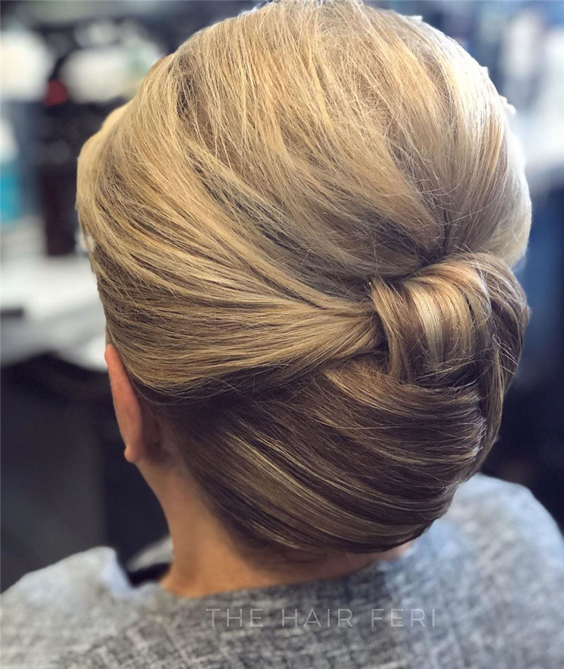 Winning Looks with These Amazing Updos 23
