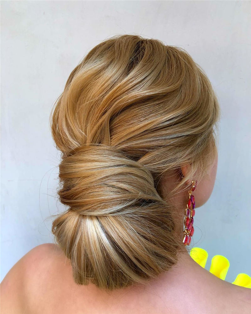 Winning Looks with These Amazing Updos 25