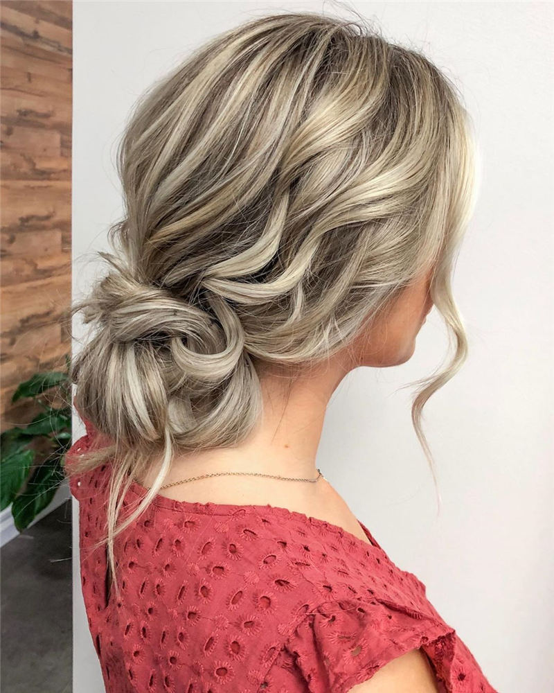 Winning Looks with These Amazing Updos 31
