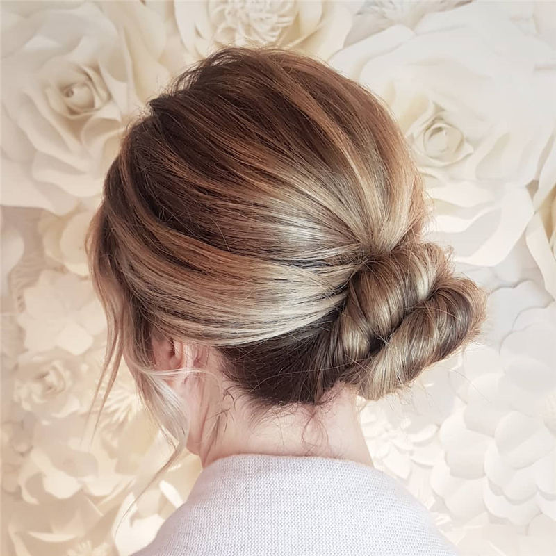 Winning Looks with These Amazing Updos 33