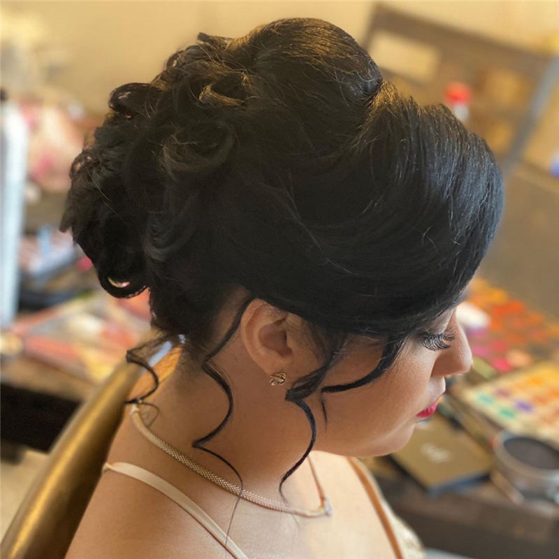 Winning Looks with These Amazing Updos 41