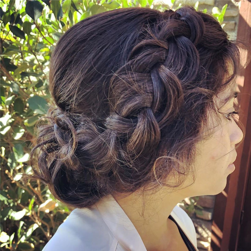 Amazing Wedding Hairstyles Ideas to Get a Beautiful Look 04