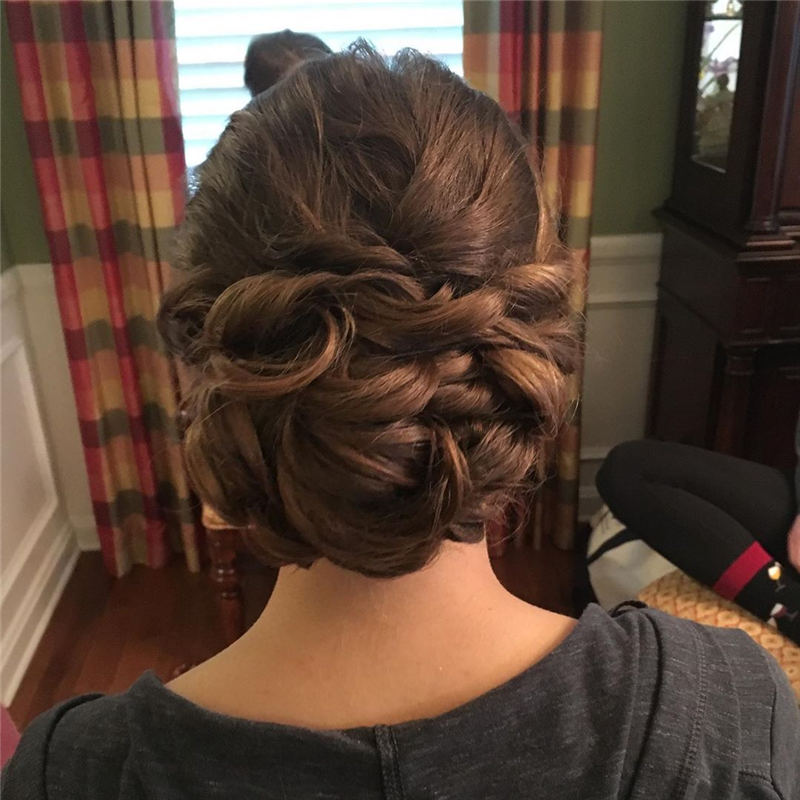 Amazing Wedding Hairstyles Ideas to Get a Beautiful Look 21