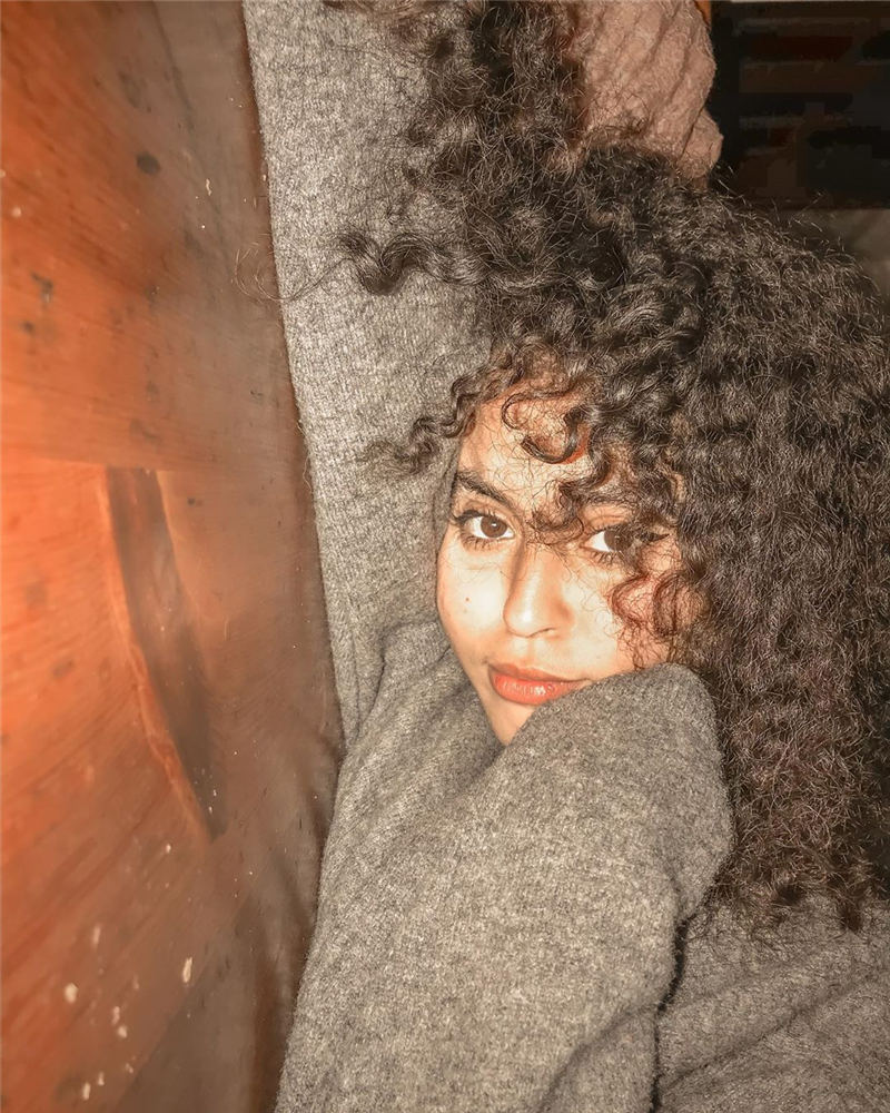 Cool Curly Hairstyles for Women That Youll Want To Get 23