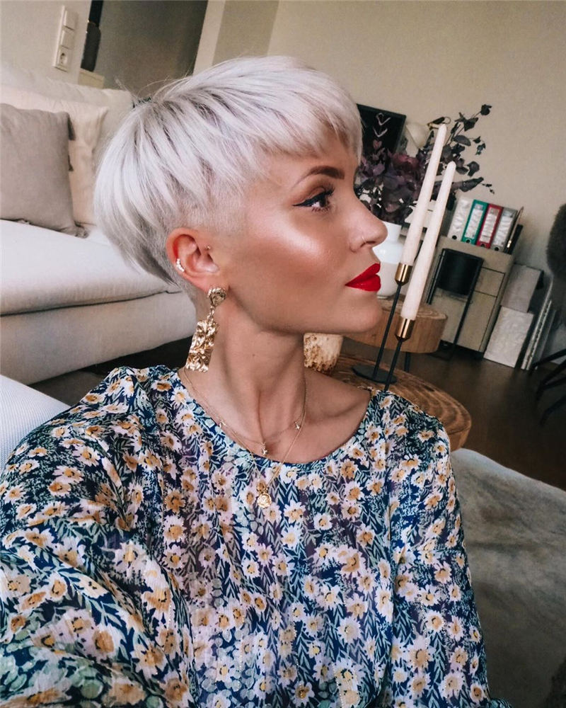 Cool Short Hairstyles For Women Who Want To Look Stylish 10