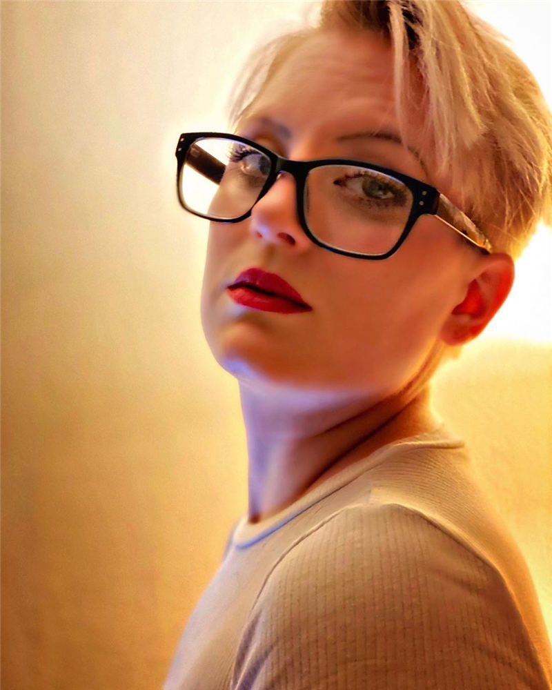 Cool Short Hairstyles For Women Who Want To Look Stylish 14