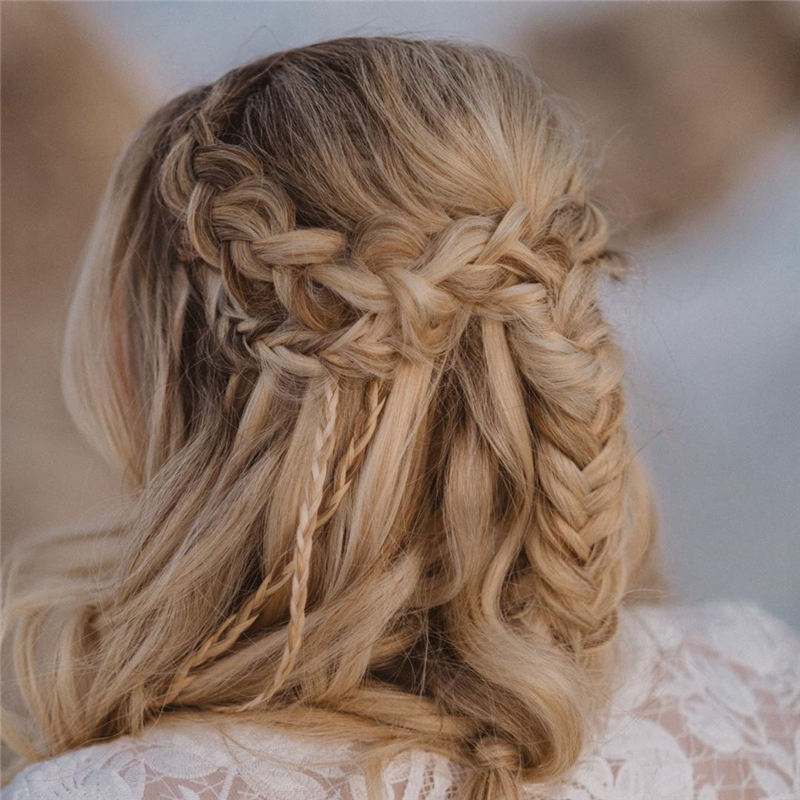 New Great Wedding Hairstyles for Your Big Day 2020 08