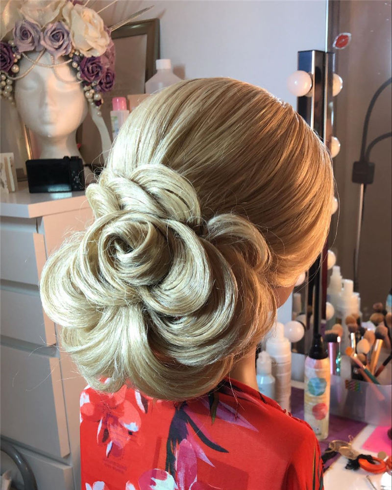 New Great Wedding Hairstyles for Your Big Day 2020 16