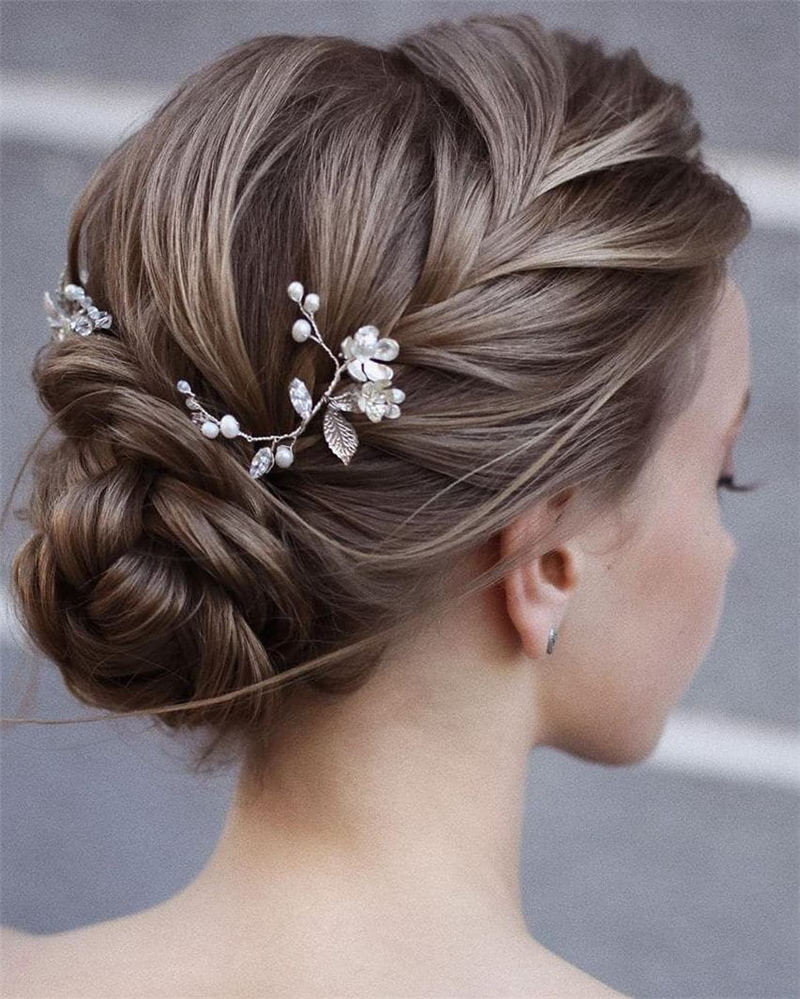 New Great Wedding Hairstyles for Your Big Day 2020 24