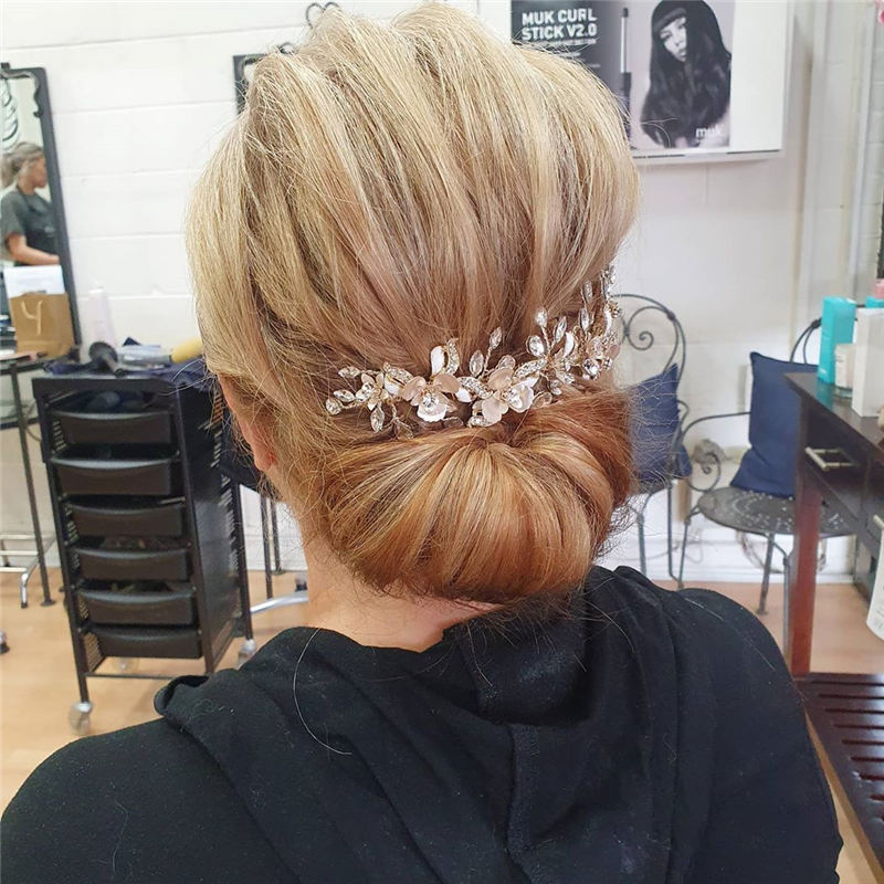 New Great Wedding Hairstyles for Your Big Day 2020 27