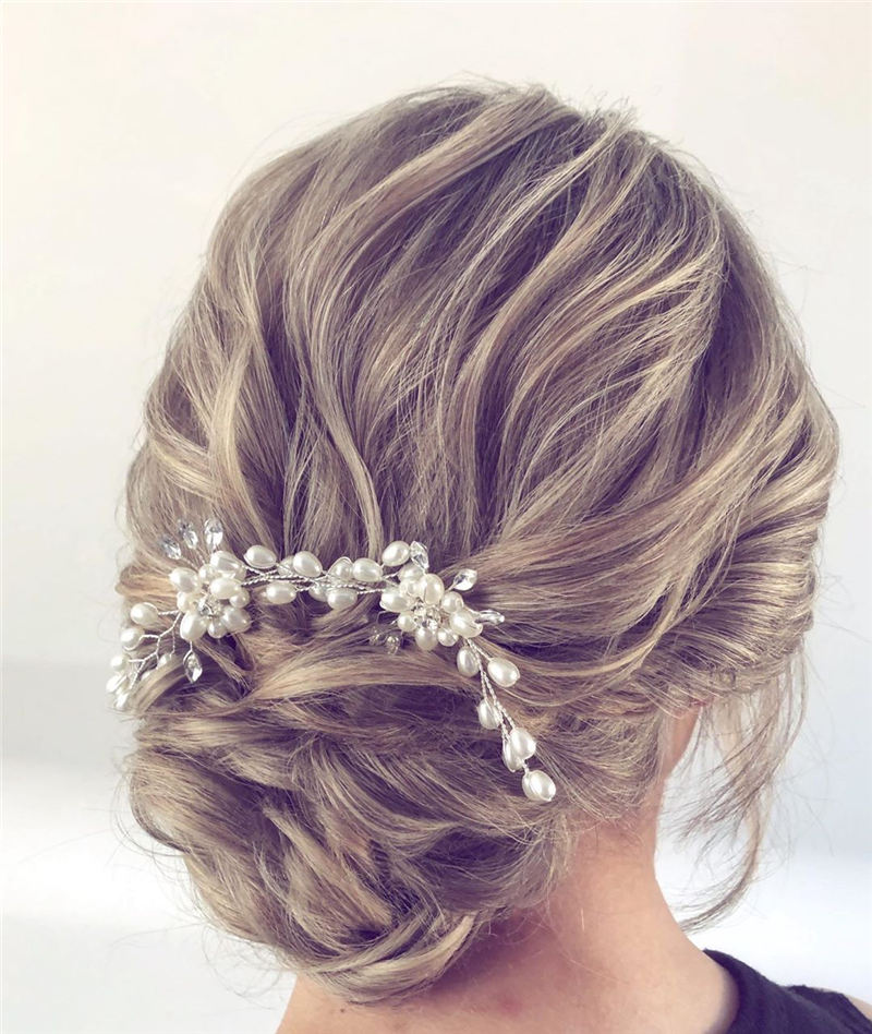 New Great Wedding Hairstyles for Your Big Day 2020 32