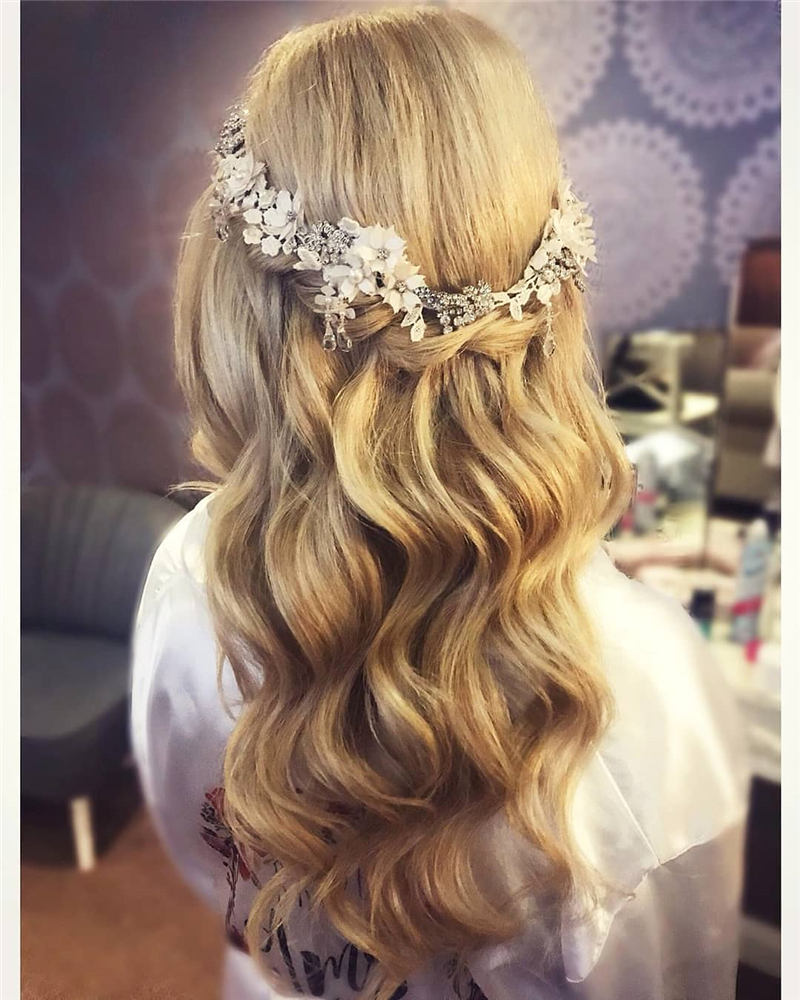 Real Popular Wedding Hairstyles For Big Day 2020 01