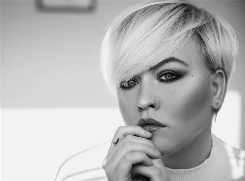 Stylish And Pretty Pixie Haircuts to Look Cool This Year 08