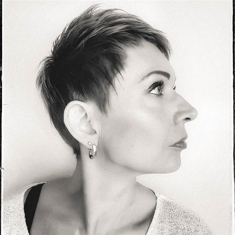 Stylish And Pretty Pixie Haircuts to Look Cool This Year 14