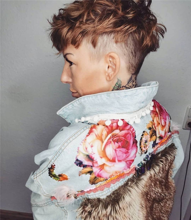 Stylish And Pretty Pixie Haircuts to Look Cool This Year 16