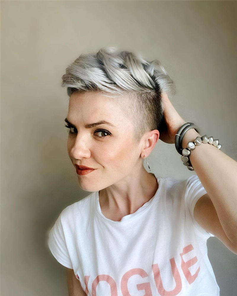 Stylish And Pretty Pixie Haircuts to Look Cool This Year 21