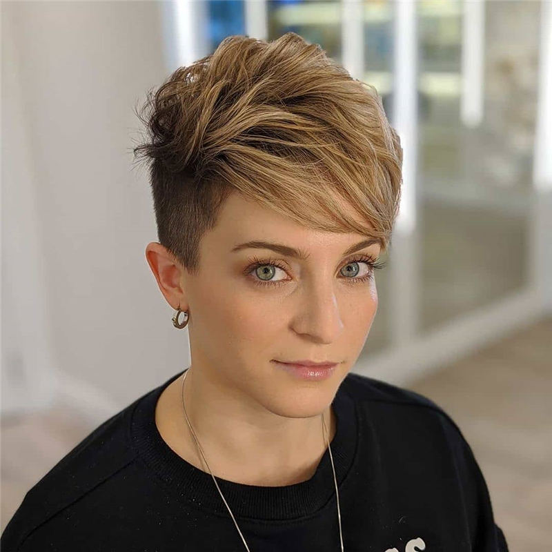 Stylish And Pretty Pixie Haircuts to Look Cool This Year 30