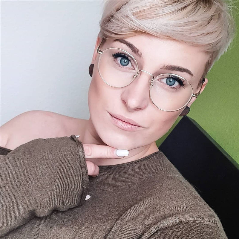 Stylish And Pretty Pixie Haircuts to Look Cool This Year 34