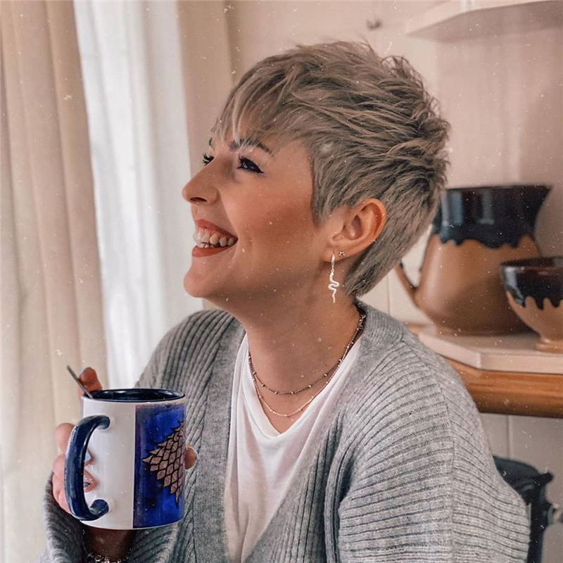 Stylish And Pretty Pixie Haircuts to Look Cool This Year 37