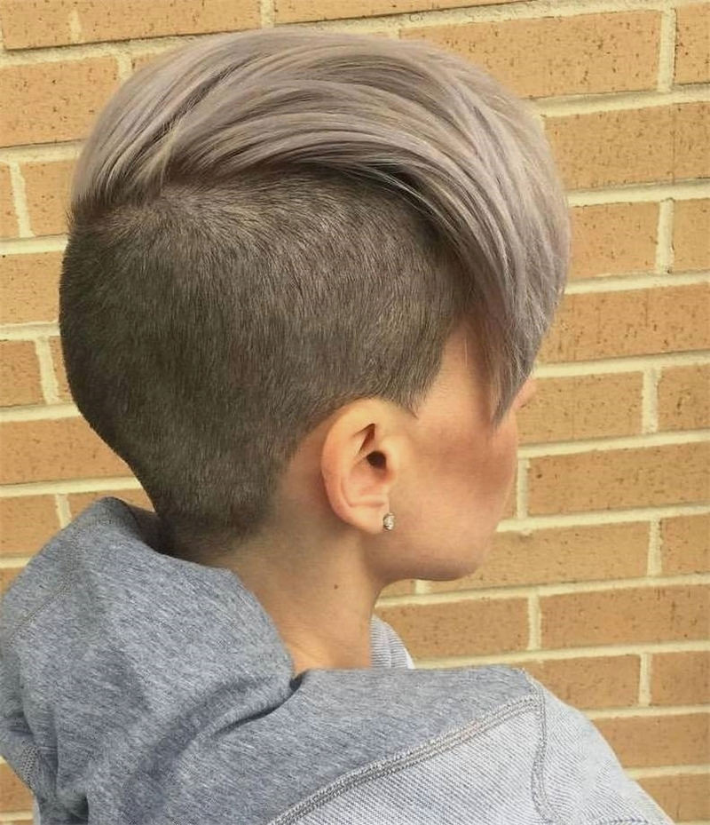 Stylish And Pretty Pixie Haircuts to Look Cool This Year 38