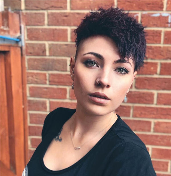 Cool Short Hairstyles for Summer 2020 19