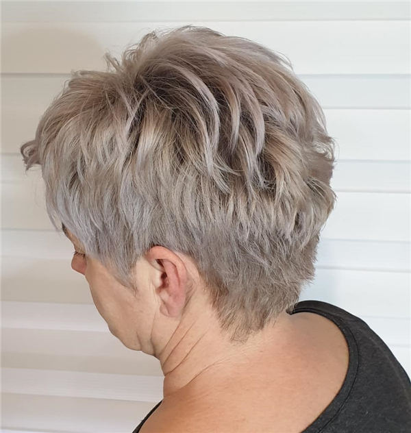 Cool Short Hairstyles for Summer 2020 29