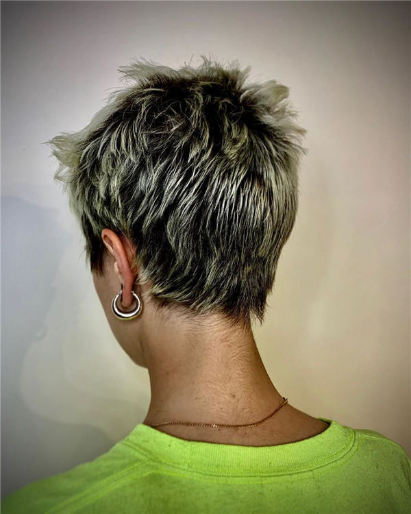 Cool Short Hairstyles for Summer 2020 38