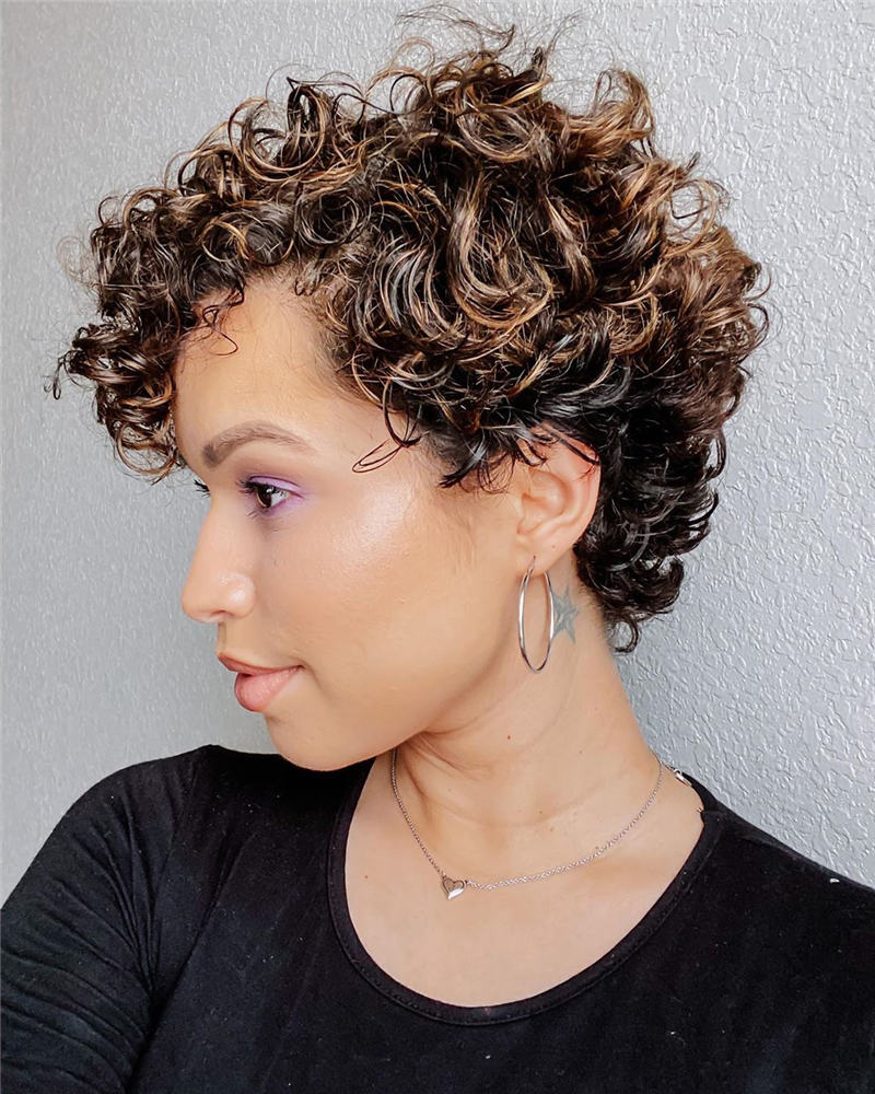 Most Stylish Short Curly Hairstyles for Women 32