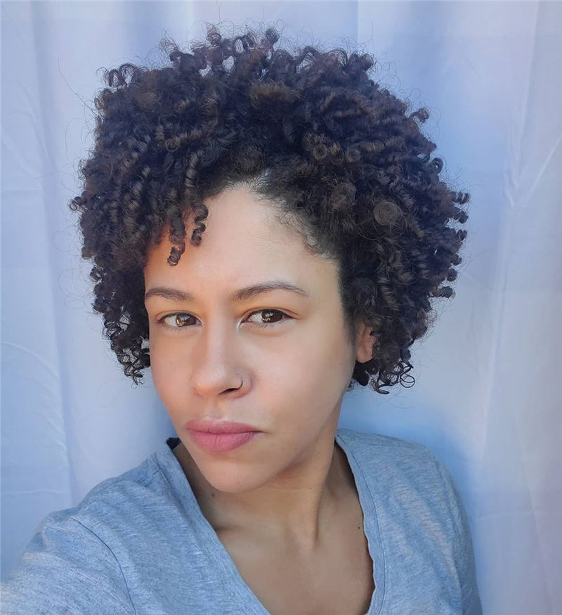 Most Stylish Short Curly Hairstyles for Women 34