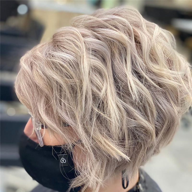 Best Inverted Bob Haircuts for Fine Hair 19