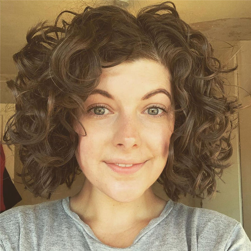 Curly Bob Hairstyles To Copy Asap for This Year 35