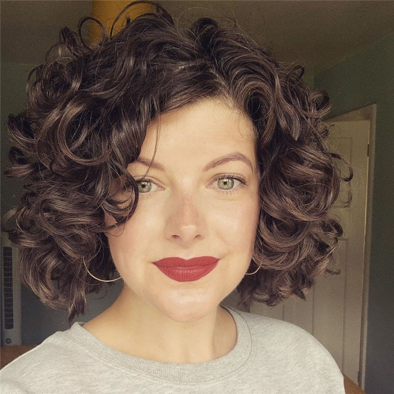 Curly Bob Hairstyles To Copy Asap for This Year 44