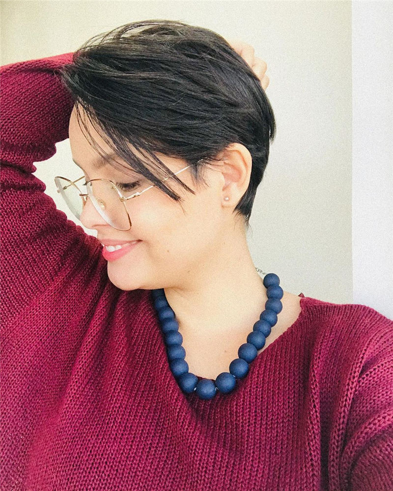 Simple Easy Pixie Haircuts That Brighten Up Your Look 23