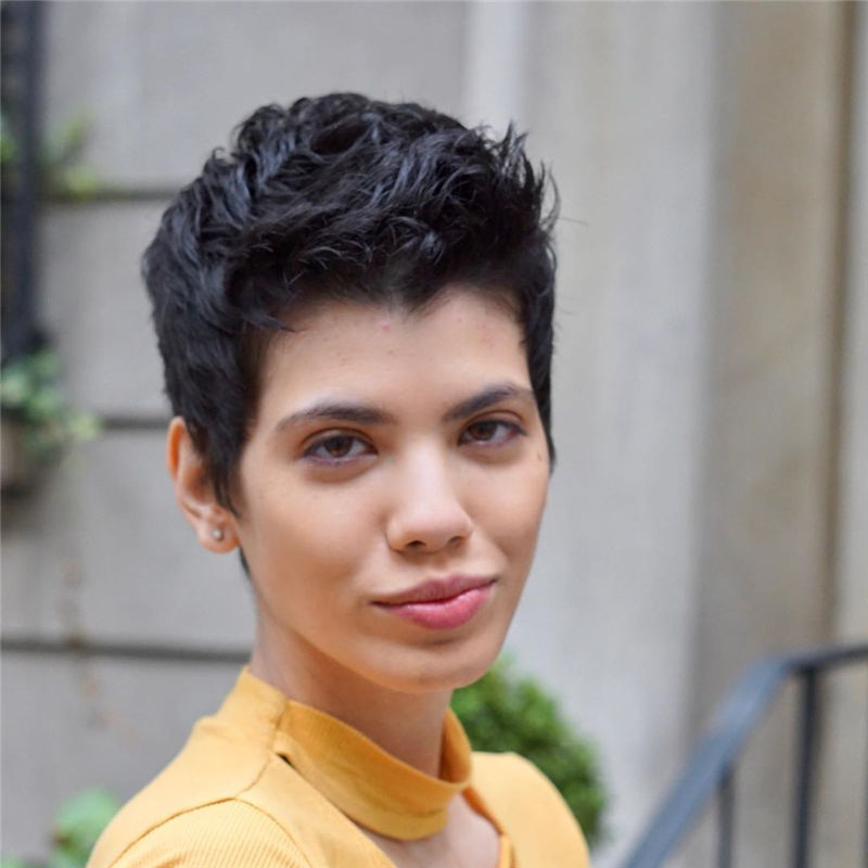 Simple Easy Pixie Haircuts That Brighten Up Your Look 29