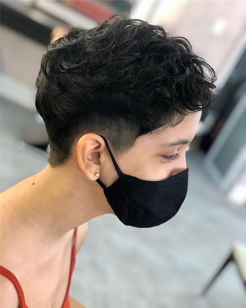 Simple Easy Pixie Haircuts That Brighten Up Your Look 46