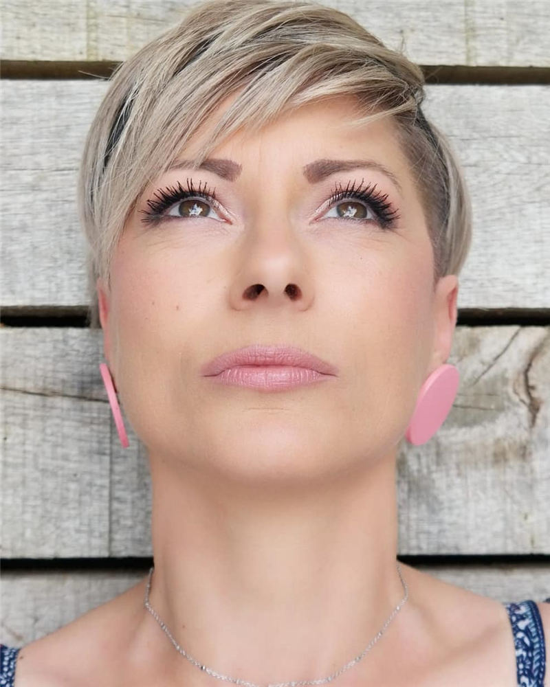 Simple Easy Pixie Haircuts That Brighten Up Your Look 50